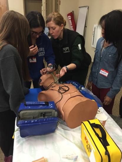 E3 girls intubating
